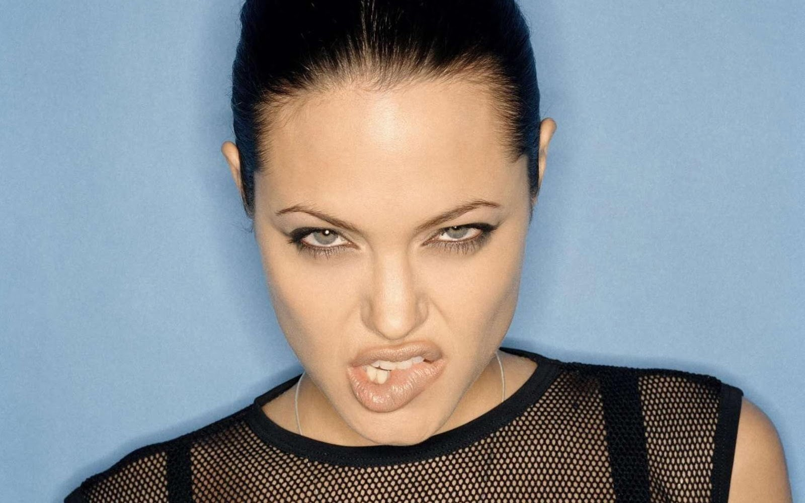 Angelina Jolie1e