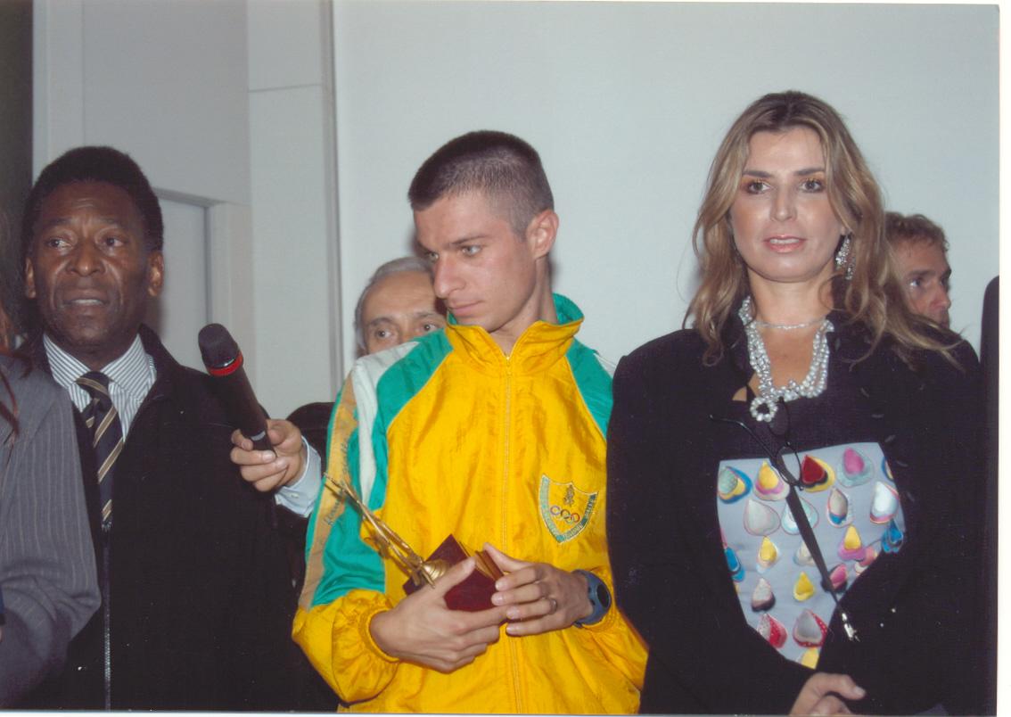4  Milano Pele