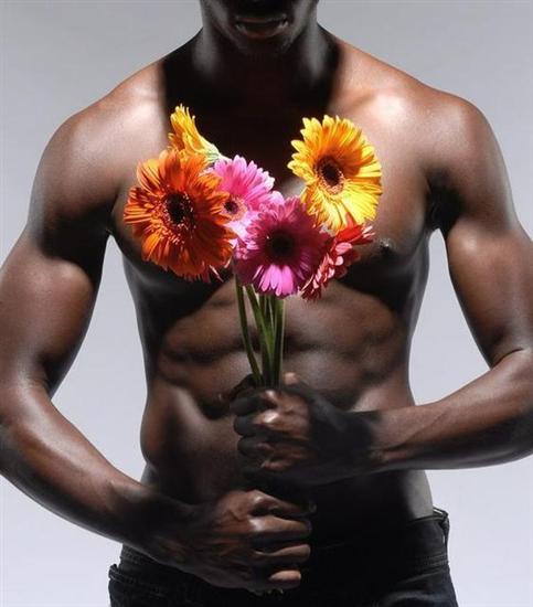 men-giving-flowers_005
