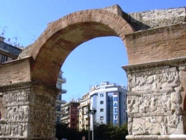 Νέα πρόκληση των Σκοπιανών - Αντέγραψαν την Καμάρα της Θεσσαλονίκης!
