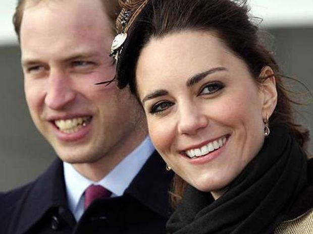 Η Kate συνόδευσε τον αγαπημένο της σε επίσκεψη στον τάφο της μητέρας του