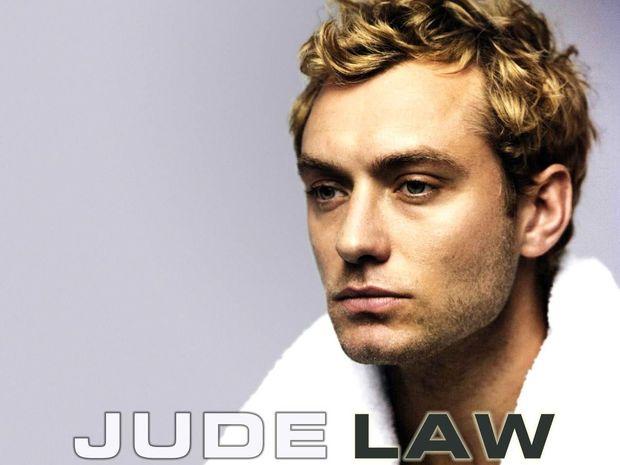 O Jude Law είναι ξανά εργένης