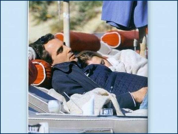 Νικόλαος-Τατιάνα: Τους πήρε ο ύπνος στην παραλία