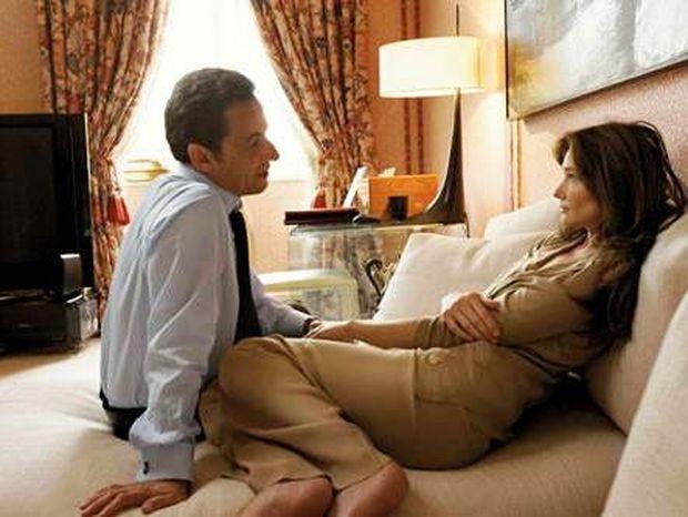 Περιμένει τον πελαργό η πρώτη κυρία της Γαλλίας, Carla Bruni;