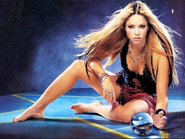 Τι κάνει η Shakira και τρελαίνει το Gerard Pique;