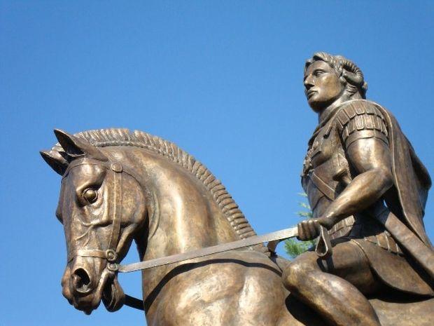 Στην πλατεία των Σκοπίων άγαλμα του Μ.Αλεξάνδρου
