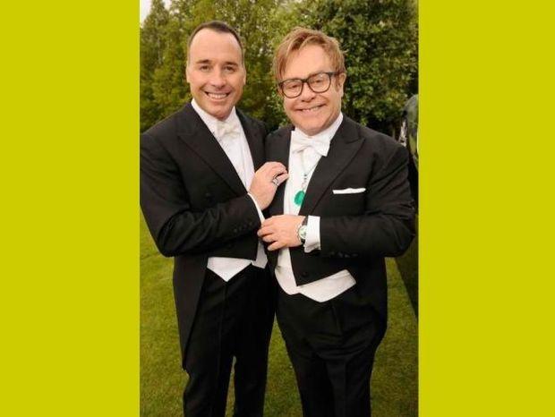 Ετήσιος χορός White Tie & Tiara του Elton John