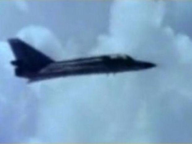 Κεραυνός χτυπά αεροπλάνο on camera!