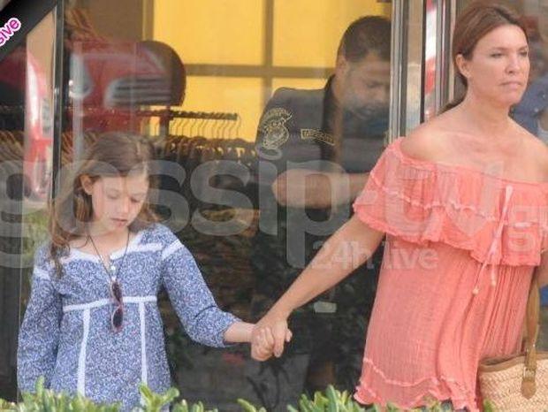 Βάνα Μπάρμπα: Βόλτα και ψώνια στην Κηφισιά με την κόρη της