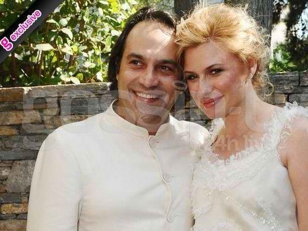 Καραβάτου-Κατσούλης: Παντρεύτηκαν σήμερα στο Δημαρχείο Ψυχικού (φωτό)