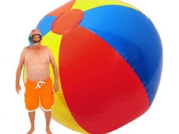Η επίθεση της γιγαντιαίας μπάλας παραλίας