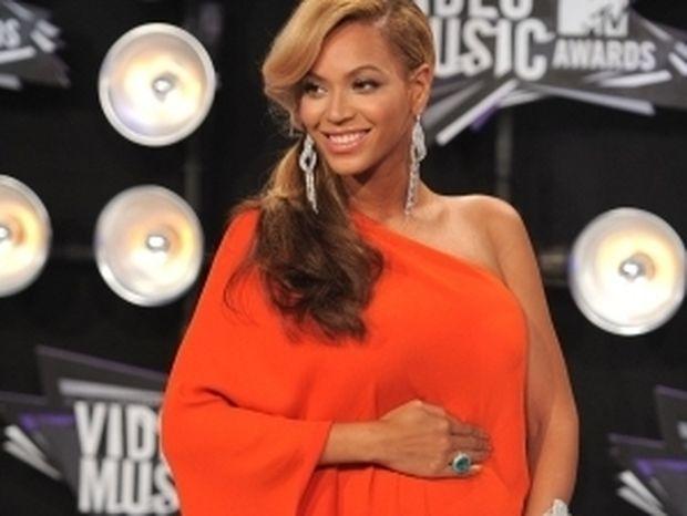 H… κοιλίτσα της Beyonce «γονάτισε» το Twitter!