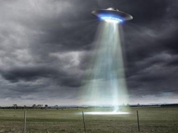 Τον τρέλαναν τα UFO