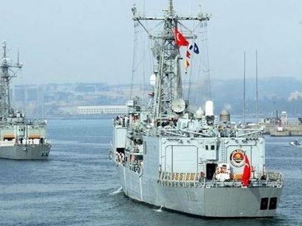 Τουρκικά πολεμικά πλοία ανάγκασαν ελληνικό οχηματαγωγό να αλλάξει πορεία!