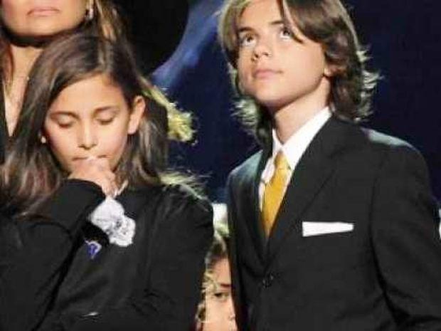 «Μποϊκοτάρουν» τη δίκη για τον πατέρα τους τα παιδιά του Michael Jackson