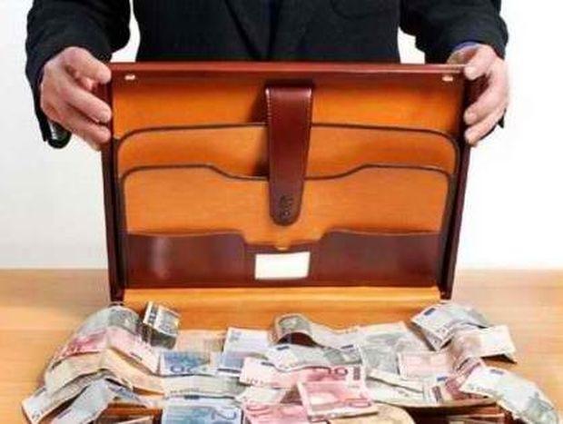 «Είκοσι δισ. ευρώ έχουν κρύψει οι Έλληνες στην Ελβετία»!