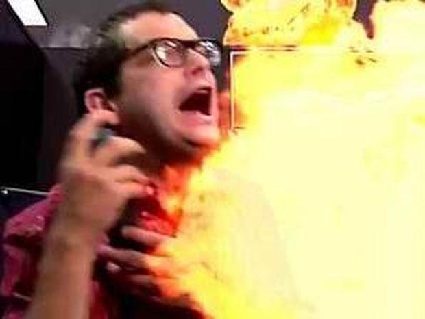 Κάηκε ζωντανός από το… firewall του υπολογιστή!