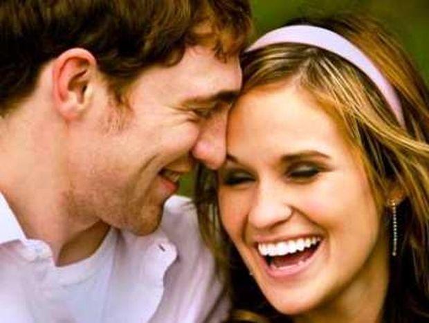 Πως το γέλιο μπορεί να σώσει μια σχέση;