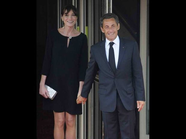 Nicolas Sarkozy – Carla Bruni: με ροζ χαμόγελα