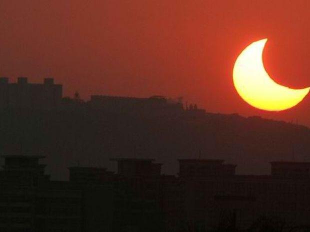 Ηλιακή Έκλειψη υπέρτατης ισχύος