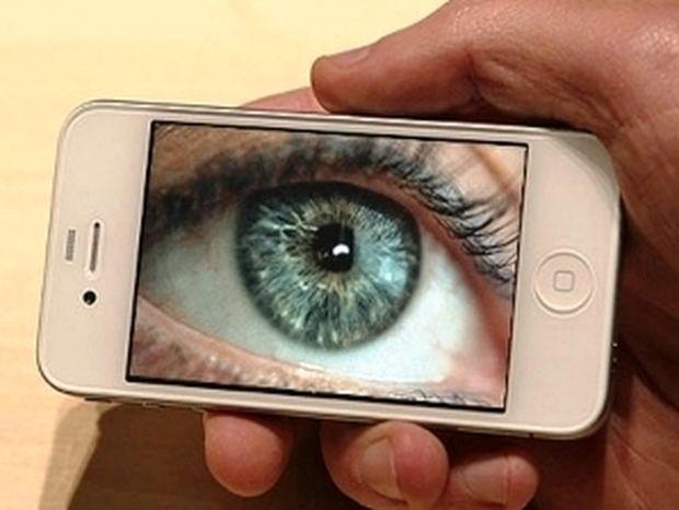 Κρυφό λογισμικό στα smartphones «παρακολουθεί» κάθε μας δραστηριότητα!
