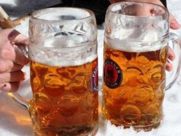 Έζησε τρεις μέρες κάτω από χιονοστιβάδα πίνοντας... μπύρες!