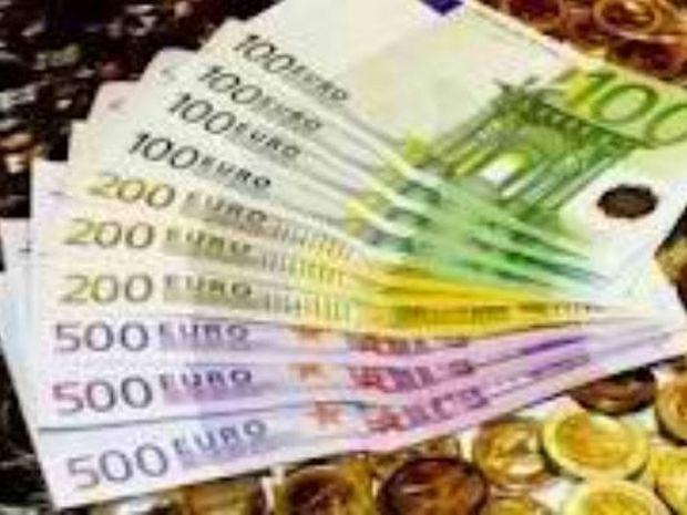 Αίσχος! Συνταξιούχοι με ετήσιο εισόδημα άνω των 200.000 πήραν το ΕΚΑΣ!