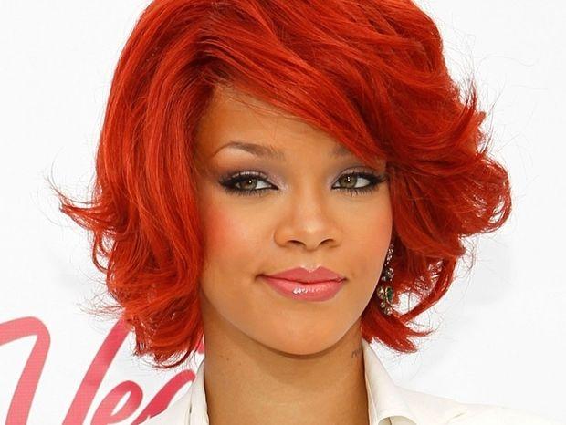 H αντίδραση της Rihanna στο ρατσιστικό άρθρο: Γ**** σου!!!