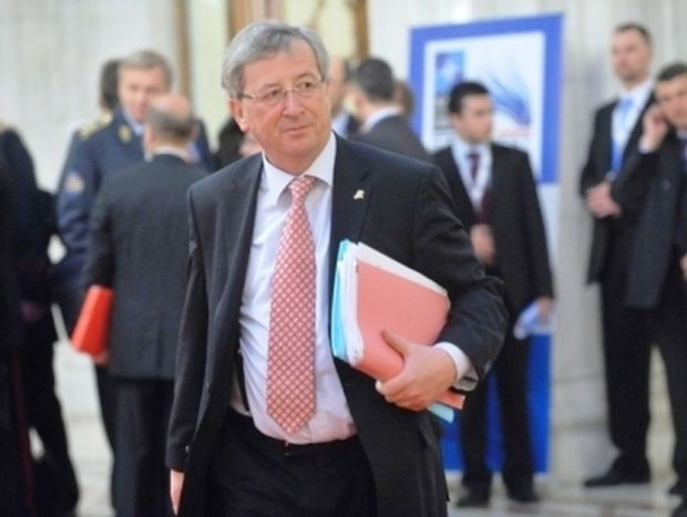 Σύμφωνος ο Γιούνκερ με τον ειδικό λογαριασμό για το ελληνικό χρέος