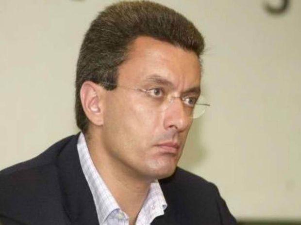 Nίκος Χατζηνικολάου: «Αυτό το γ...μνημόνιο»!