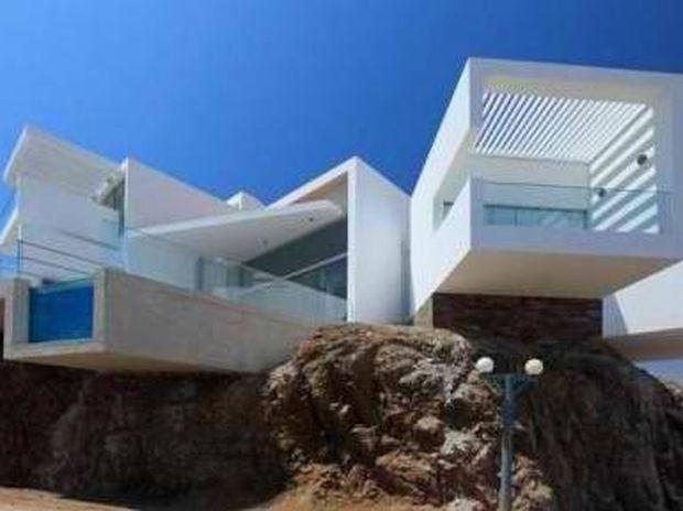 Beach House σαν μοντέρνο πολυβολείο