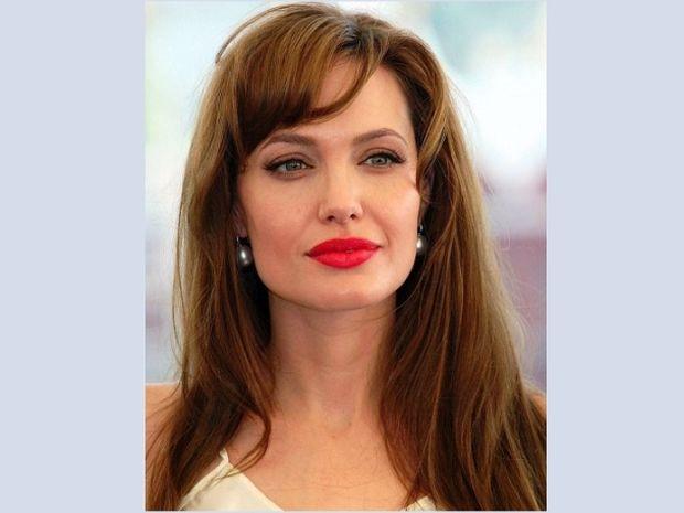 Το κόκκινο κραγιόν της Angelina Jolie