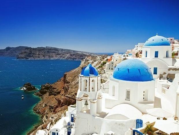 «Είμαι ο Δημήτρης από την Ελλάδα… Απαντώ σε όλα όσα λένε για εμάς»