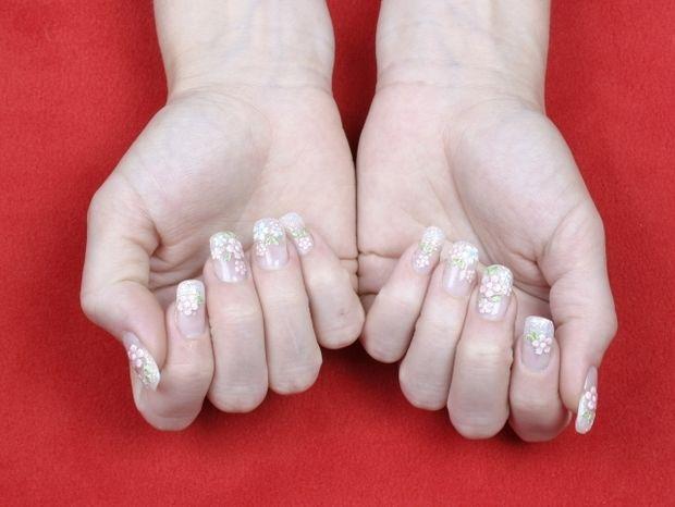 Star Stylist 22 Μαρτίου - Λουλούδια στη φύση και τα νύχια σας