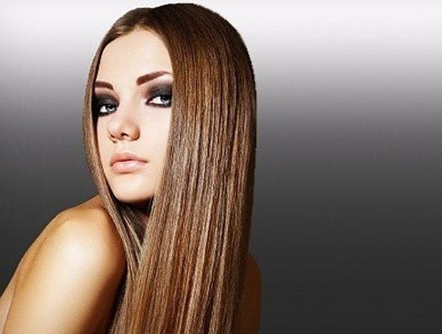 Star Stylist 1η Απριλίου - Μόκα μαλλί και νύχια κοραλί