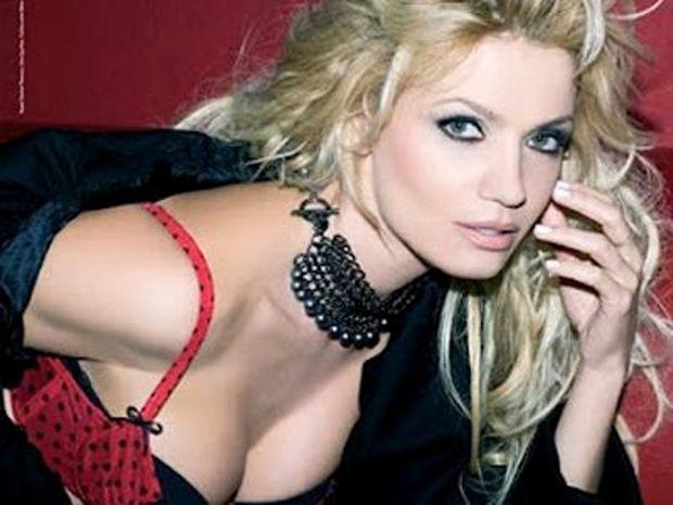 Παναγιώτα Βλαντή – H πιο sexy ηθοποιός της τελευταίας 20ετίας