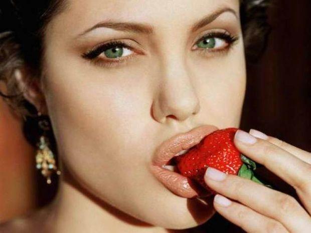 Φράουλες στο σεξ και στο πιάτο σας
