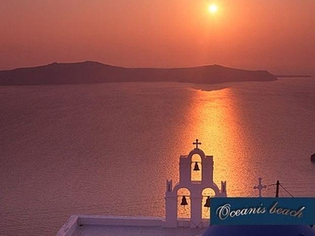 Ερωτικές διακοπές στο μαγευτικό νησί της Σαντορίνης μόνο με 65€