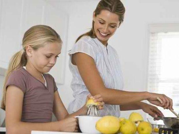 Πώς να φτιάξετε δροσερή σπιτική λεμονάδα!
