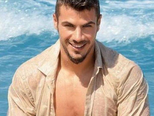 Άκης Πετρετζίκης: «Δεν είμαι ερωτευμένος γιατί δεν προλαβαίνω»