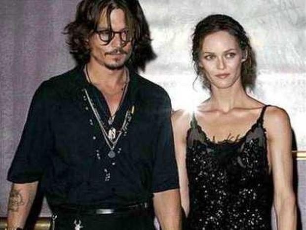 Ο Johnny Depp θέλει πίσω την Vanessa Paradis