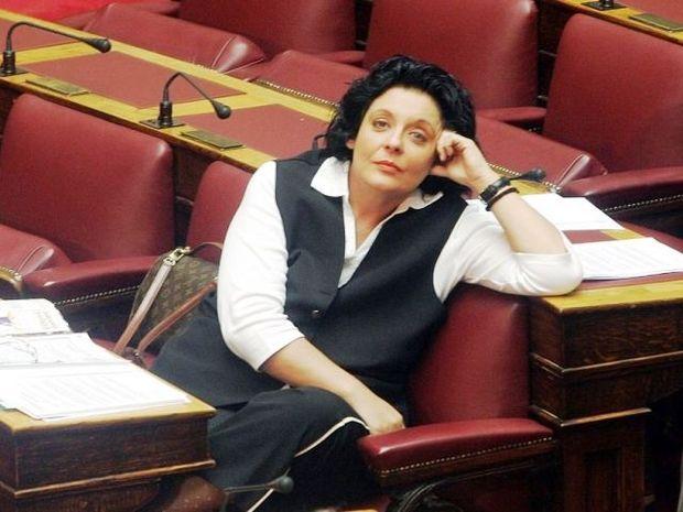 Λιάνα Κανέλλη-Αλλάζει κόμμα;