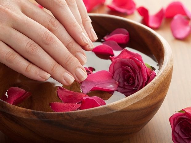 Star Stylist 4 Αυγούστου- Δώστε σχήμα στα νύχια και βάψτε τα με παλ χρώματα
