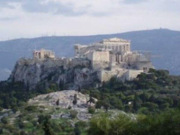 Τα μυστικά της Ακρόπολης – Τι κρύβεται κάτω από τον ιερό βράχο;