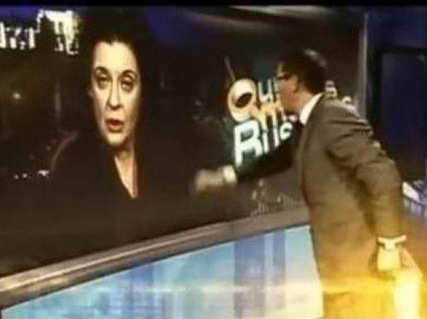Δείτε τη νέα τηλεοπτική «επίθεση» στη Λιάνα Κανέλλη!