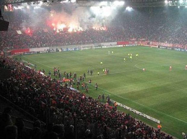 Συνέβη χθες: «Τσαμπουκάς» στα Vip της Εθνικής στο Καραΐσκάκη με σύζυγό και ερωμένη ποδοσφαιριστή!!!!! (Nassos blog)