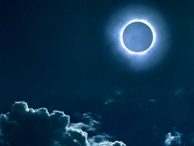 Νέα Σελήνη Νοεμβρίου με ολική έκλειψη Ηλίου - Πώς θα επηρεάσει τα 12 ζώδια