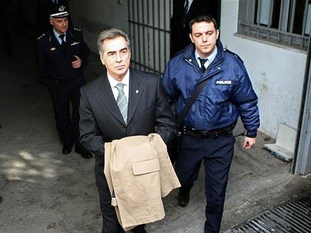 Βασίλης Παπαγεωργόπουλος: Θύμα ή θύτης;