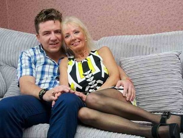 67χρονη γνώρισε στο Facebook και παντρεύεται έναν 29χρονο
