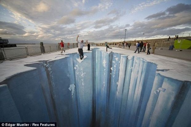 ΚΑΤΑΠΛΗΚΤΙΚΕΣ ΕΙΚΟΝΕΣ: Τέχνη του δρόμου